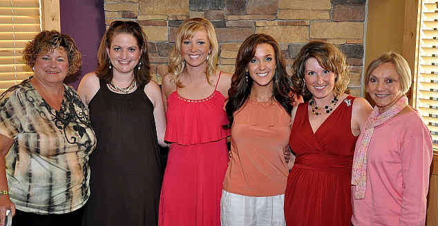 Past Miss Tri Cities 2009 photo Sandy Varley, Jamie Bouton, Kyna Harris, Kristen Blair, Renee Reed, Sharon Ackerman